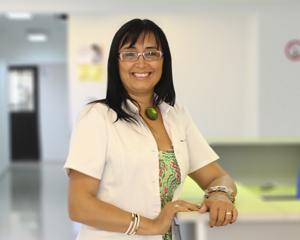 Dra. CLAUDIA VELASQUEZ BAZAES